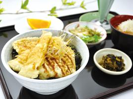 5月の特製御膳 柳かれいと竹の子の天丼